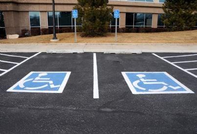 parcheggio riservato ai disabili
