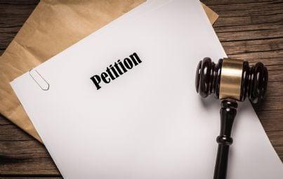 petizione scritta su un foglio