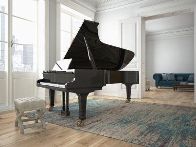 un pianoforte nel salotto di casa