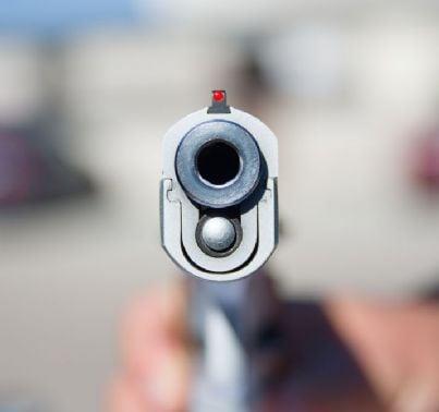 primo piano di pistola
