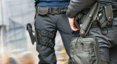 polizia armata per sicurezza