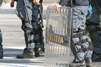 g8 polizia scontri sicurezza