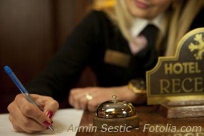 albergo portiere hotel reception lavoro