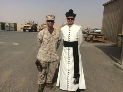 un prete e un militare