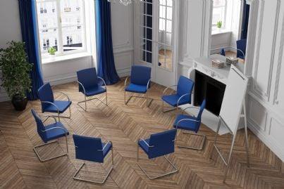 sedie disposte a cerchio per riunione