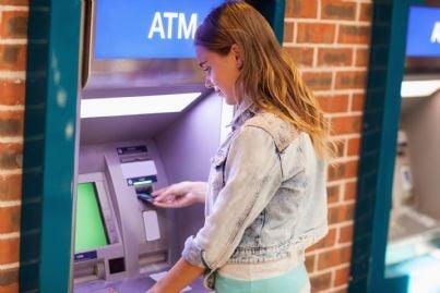 Prelievi bancomat, nuovo tetto: se superato scatta il controllo fiscale