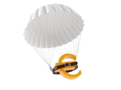 euro con cintura e paracadute
