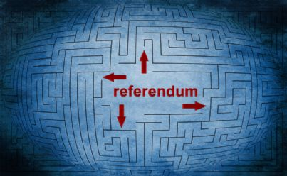 parola referendum in un labirinto