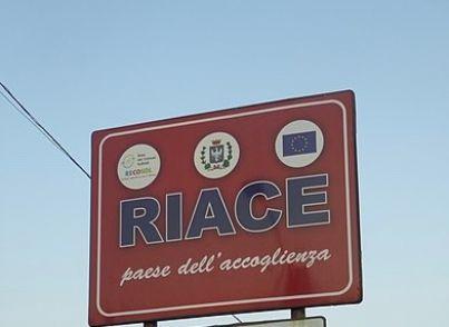 cartello comune Riace Calabria