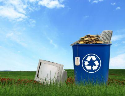 cestino per rifiuti elettronici concetto smaltimento ecologico