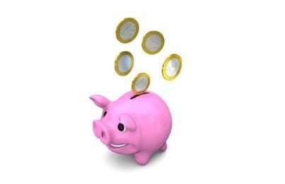 soldi euro salvadanaio risparmio povero