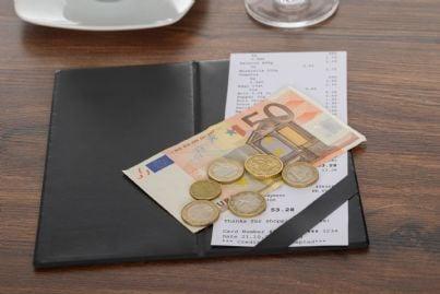 pagare conto al ristorante