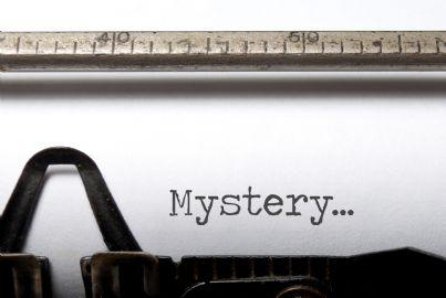 scrivere un romanzo a macchina con parola mistero