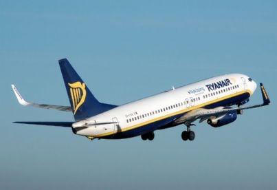 Ryanair taglia duemila voli fino ad ottobre. Clienti protestano