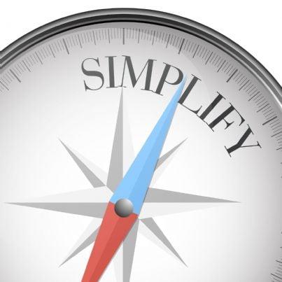 bussola che mostra il tempo per la semplificazione fiscale