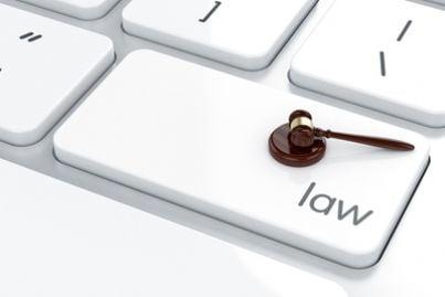 sentenza martello giudice avvocato giustizia