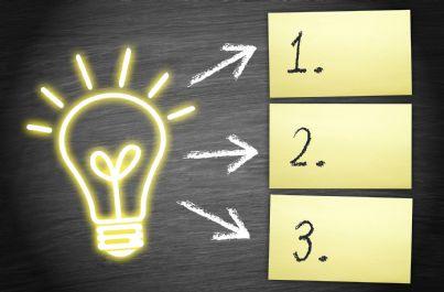 lampadina concetto di idea e sintesi in punti