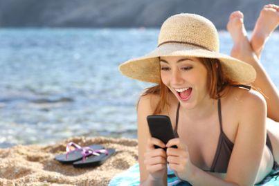 cellulare smartphone vacanza spiaggia