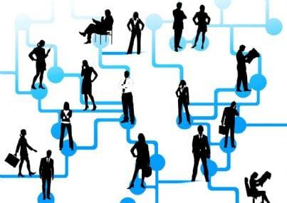 Illustrazione rappresentante persone collegate in una rete