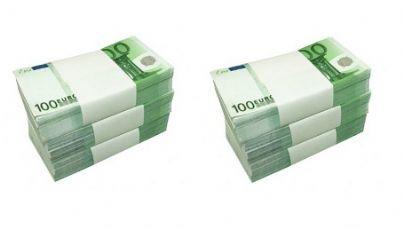 due mazzette di soldi