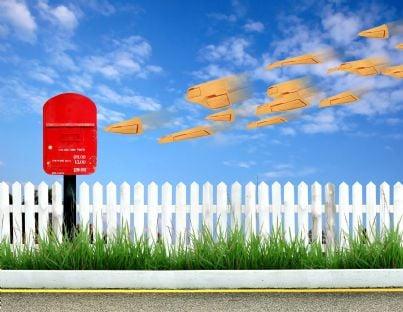casella postale con posta in arrivo