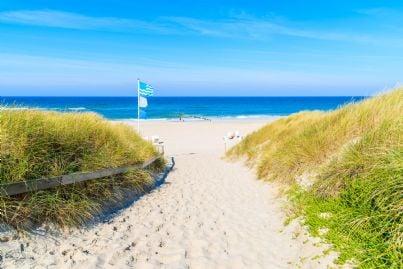 ingresso spiaggia e battigia