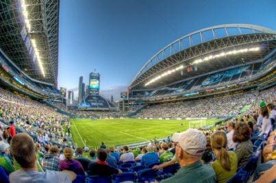 Stadio affollato in attesa della partita
