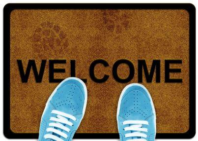 tappeto con su scritto welcome