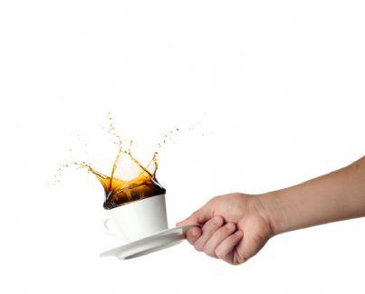 rovesciare il caffè
