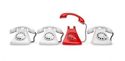 serie di telefoni bianchi e rossi
