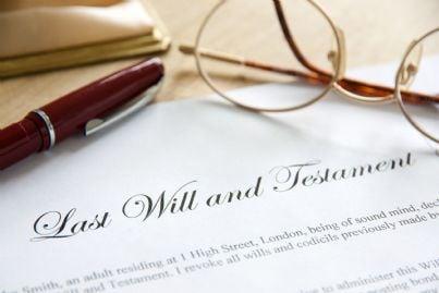 testamento scritto su un foglio