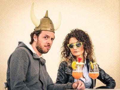 uomo con le corna e la sua donna