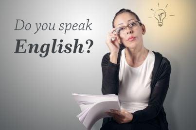 donna che chiede se si parla inglese