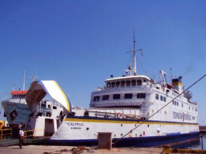 traghetto nave