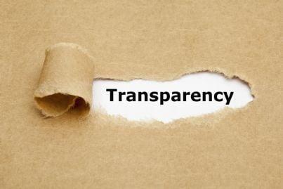 parola trasparenza su sfondo marrone