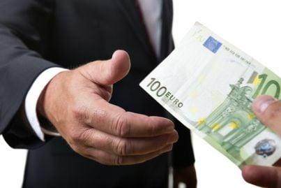 truffa corruzione tangenti soldi