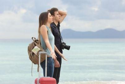 coppia triste per vacanza rovinata