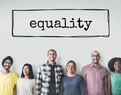 donne e uomini con parola uguaglianza