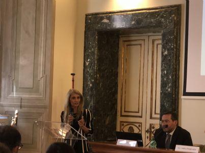 Convegno Unaep con primo piano presidente Antonella Trentini