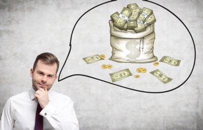 avvocato uomo che pensa a sacco colmo di soldi