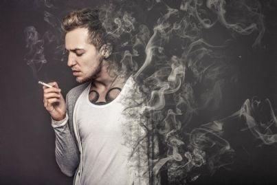 uomo con fumo che uccide