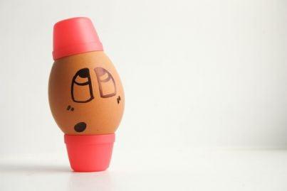 uovo dipinto con zucchetto per ramadan