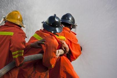 vigili del fuoco durante un intervento