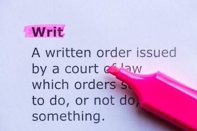 concetto di habeas corpus e writ evidenziato in fucsia